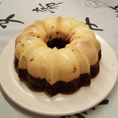 brownie con flan invertido